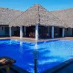 Piscine de l'hôtel Moya Beach à Nosy Be