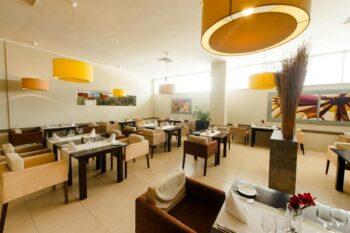 le restaurant à l' intérieure de Carlton Madagascar à Antananarivo