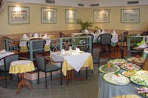 Restaurant L'Avenue à Tana