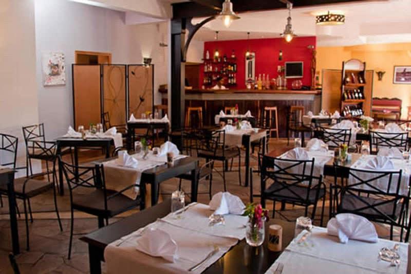 Restaurant LE COMBAVA à Tana