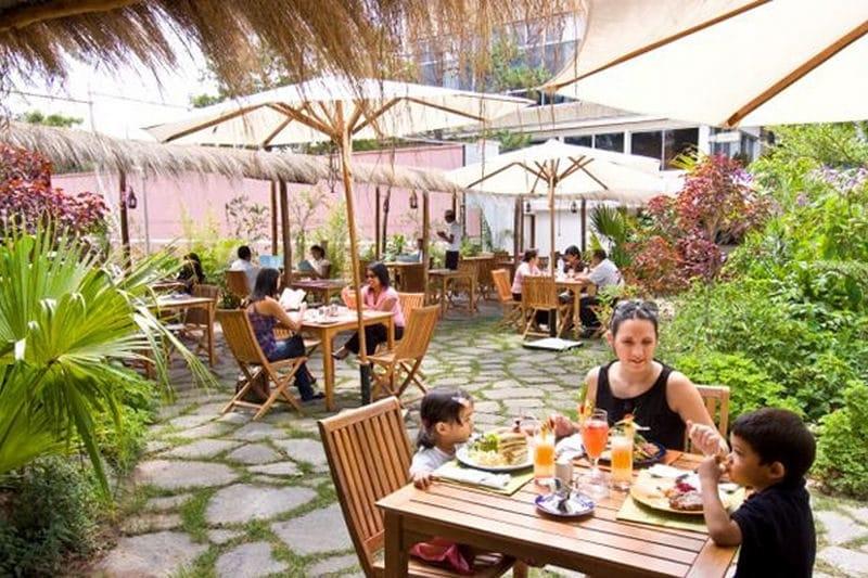 Restauracja Oasis w Tana
