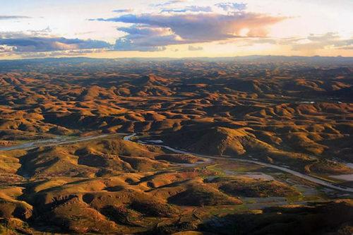 Zejście Tsiribihiny przez ziemiankę