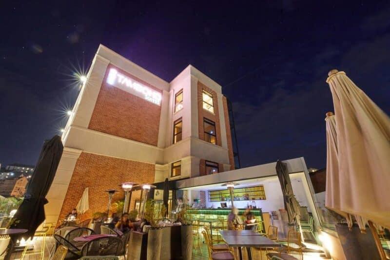 lounge soir tamboho suites antananarivo