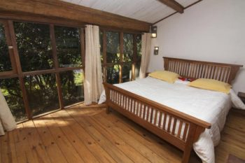 Lit de l'hôtel Bois Vert localisé à Ivato à Antananarivo