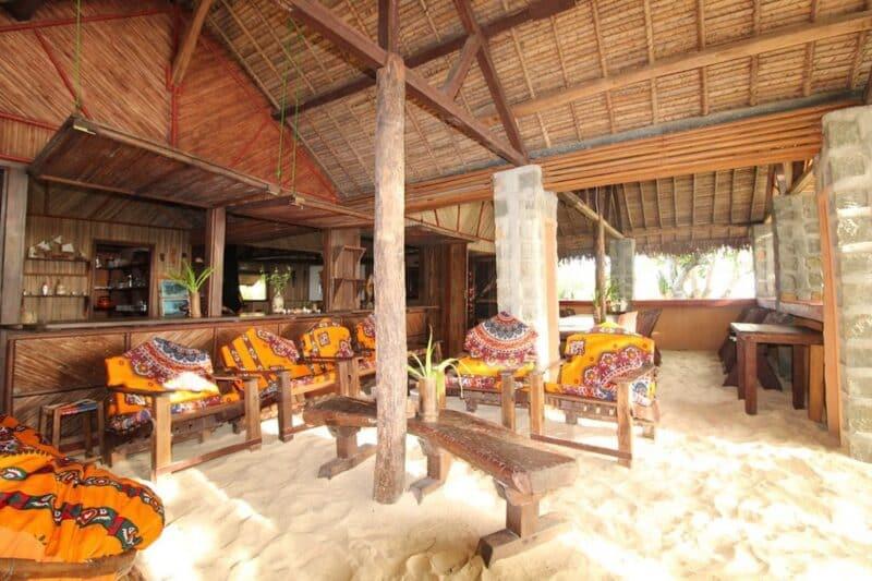 accueil sambatra beach lodge sainte marie