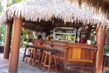 bar hotel tropicana majunga