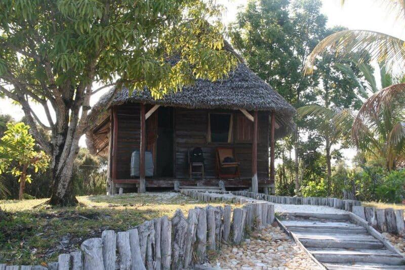 bungalow double ony hotel pangalanes manambato