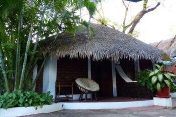 bungalow hotel tropicana majunga