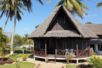 bungalow manda beach hotel foulpointe tamatave