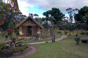 bungalow vue jardin grace lodge andasibe
