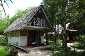 bungalows acacias bungalows manambato pangalanes