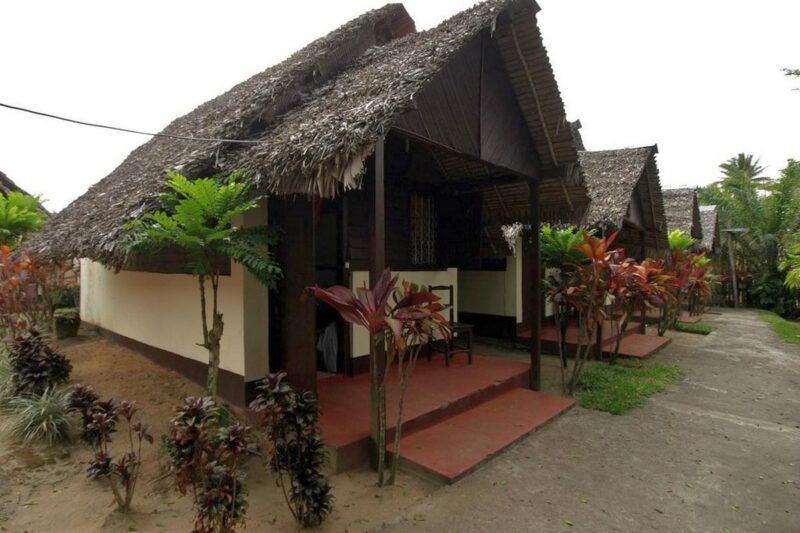 bungalows hotel casadoro vatomandry