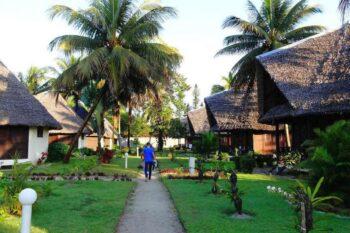 bungalows jardin manda beach hotel foulpointe tamatave