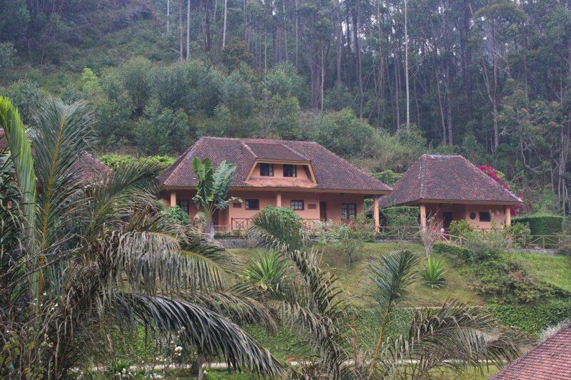 bungalows vakona forest lodge andasibe