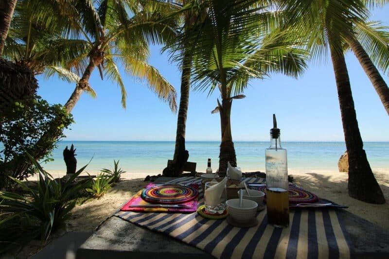 dejeuner sambatra beach lodge sainte marie