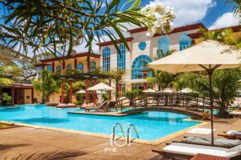 Swimming pool grand hotel colbert in Diego-suarez