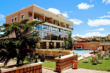 piscine hotel le royal palace antsirabe