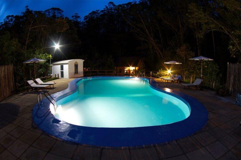 piscine nuit vakona forest lodge andasibe