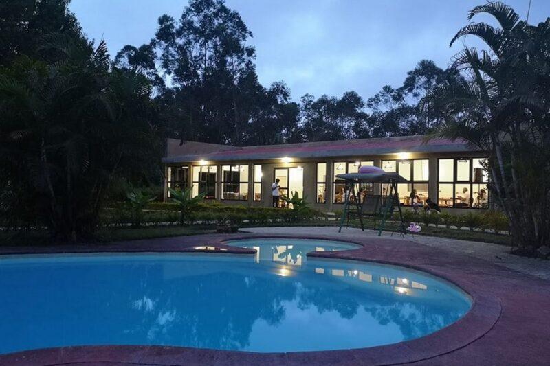 piscine soir grace lodge andasibe