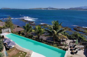 piscine vue haut talinjoo hotel tolanaro fort dauphin
