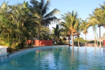 piscine vue hotel de la baie antsiranana diego suarez