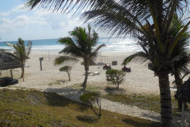 plage vue colline riake resort villa sainte marie