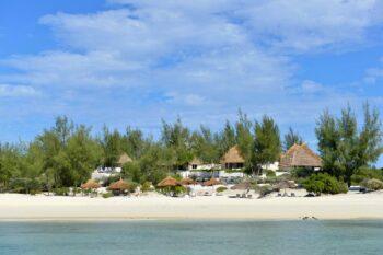 plage vue de la mer salary bay hotel tulear