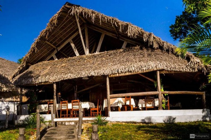 restaurant ony hotel pangalanes manambato