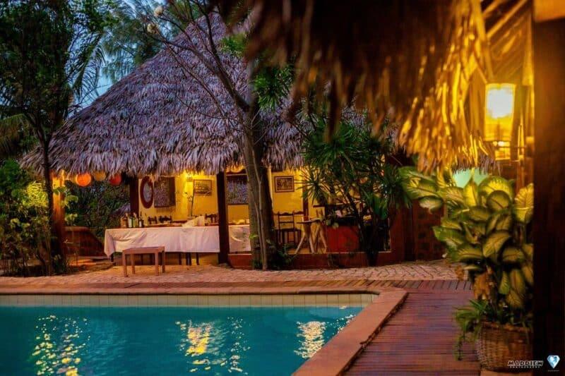 resto vue piscine soir suarez hotel antsiranana diego-suarez