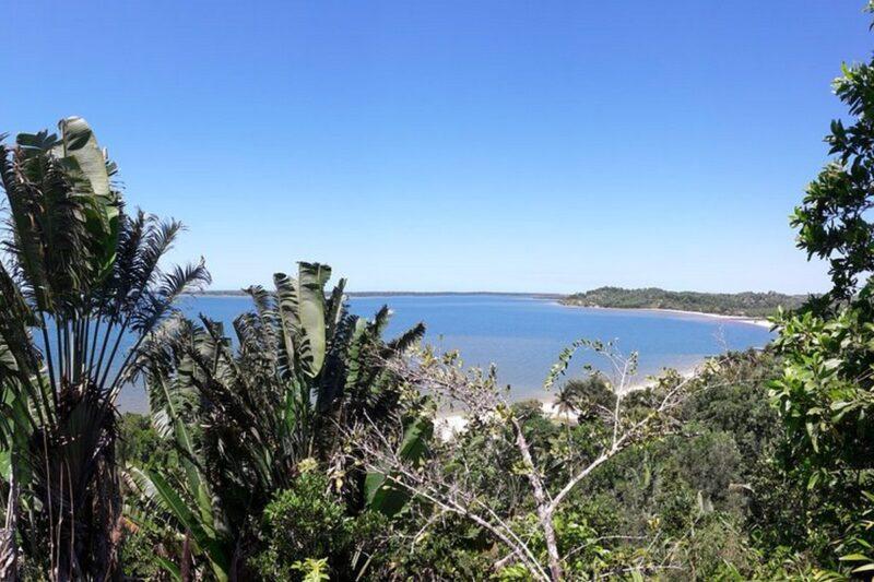 vue bungalow colline acacias bungalows manambato pangalanes