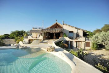 vue de la piscine bakuba lodge ankilibe tulear