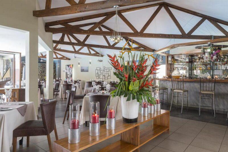restauracja i bar Relais des Plateaux & Spa w Ivato