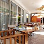 ristorante sulla terrazza all'aperto del Relais des Plateaux & Spa di Ivato