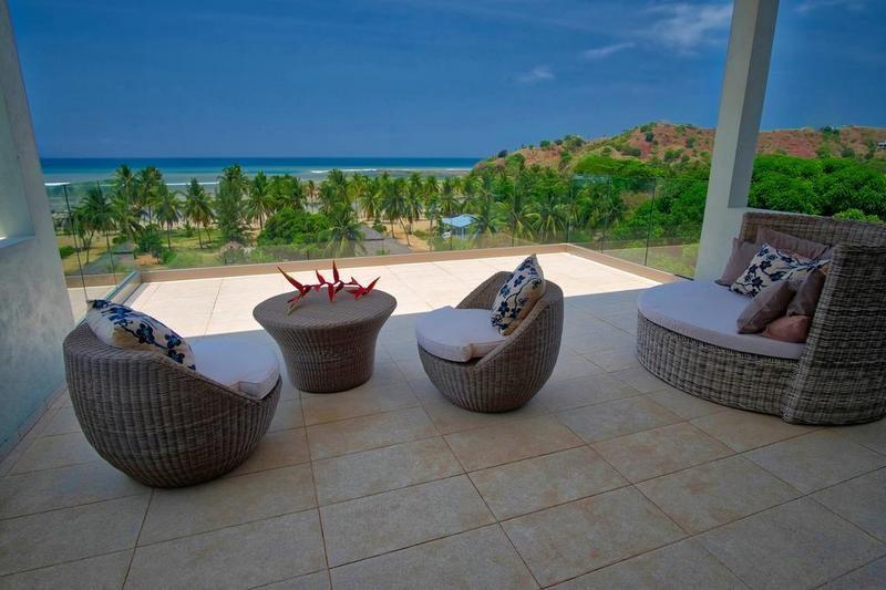 terrace with seating area of Villa Kintana Naka nosy be