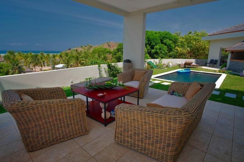 terrace and outdoor seating area of Villa Kintana Naka nosy be