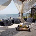 grand lit de déténte à l'extérieurVilla Sakina à nosy be