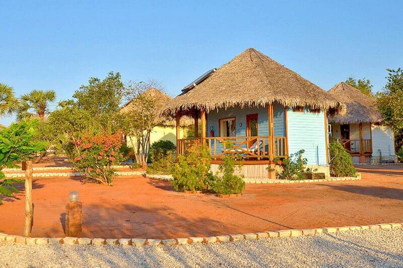 bungalow jardin antsanitia resort majunga