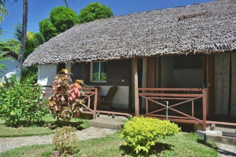 bungalow ylang hotel ambondrona nosy be