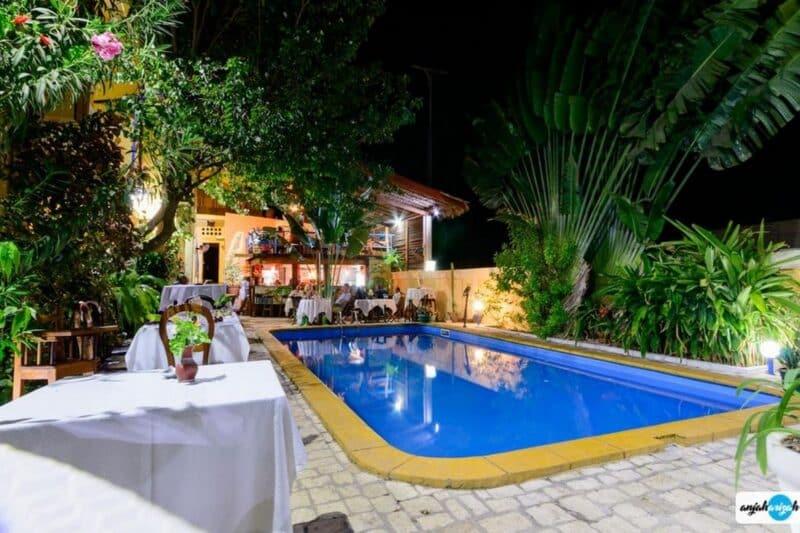 diner piscine coco lodge majunga