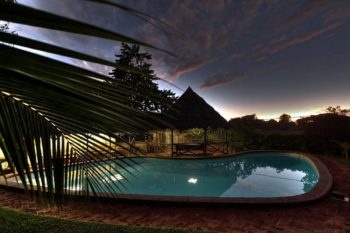 piscine nuit hotel clair de lune nosy be