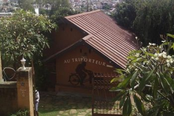 facade of B & B Au Triporteur in Antananarivo