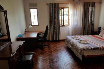 pokój dwuosobowy W. Pobyt w Antananarivo