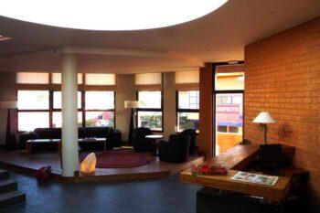 salon commun de Tamboho Boutik Hotel à Antananarivo
