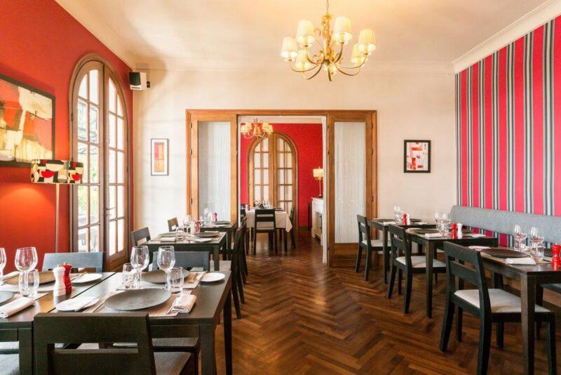 Salle du restaurant Citizen à Antananarivo.