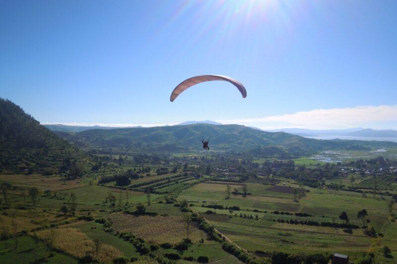 Odwiedź ampefy inaczej na paralotniarstwa na przedmieściach Antananarywa w weekend
