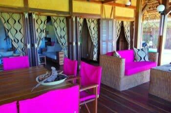 Patio de la villa tropicale parmi les locations vacances proposées par Concept Nosy Be