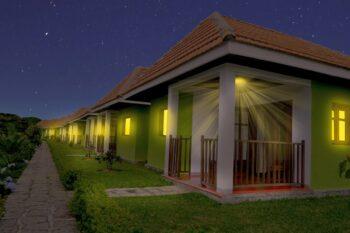 bungalows nuit sahatandra river hotel andasibe