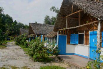 bungalows orania lodge manambato brickaville