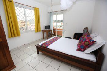chambre balcon villa espoir anjanahary antananarivo