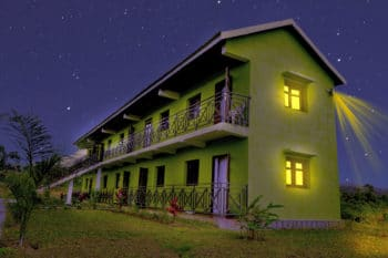 chambres eco nuit sahatandra river hotel andasibe